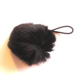 pluizenbol zwart